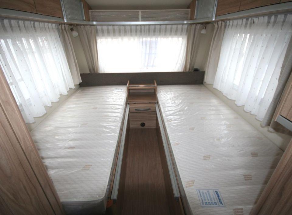 hymer eriba feeling 470 als pickup camper in ober. Black Bedroom Furniture Sets. Home Design Ideas