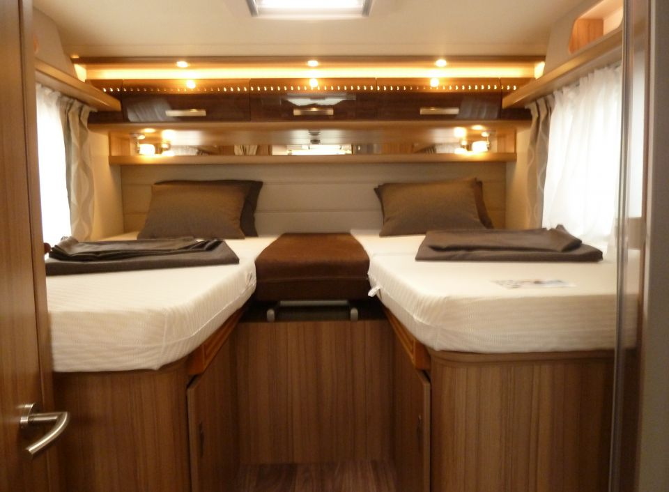 knaus sun ti 700 meg platinum selection als. Black Bedroom Furniture Sets. Home Design Ideas